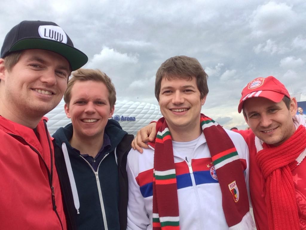 Felix, Philipp, Joe und Basti bei FCB - FCA