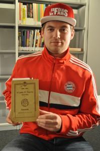 Die Festschrift 25 Jahre FC Bayern München.